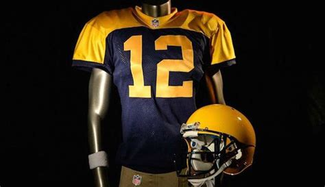 The Green Bay Packers Are Wearing 'new' Throwbacks That