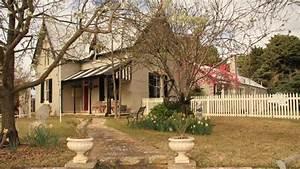 Australian housing market 'a time bomb'   Herald Sun