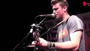 "Bastian Baker chante ""Follow the Wind"" - YouTube"
