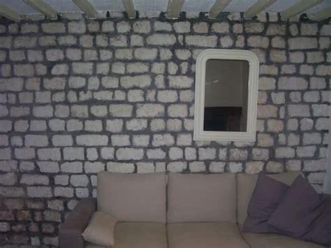 mur en pierres calcaire et joins ciments gris
