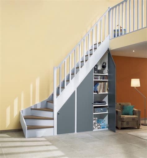 construire un placard sous escalier