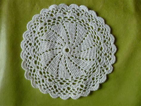 longch bricole napperon crochet facile