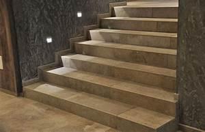 Treppen Fliesen Holzoptik : treppe aus feinsteinzeug fliesen mal nicht im fugenschnitt verlegt fliesen treppe fliesen ~ Markanthonyermac.com Haus und Dekorationen