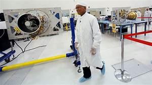 'Hidden Figures' may feature NASA's history, but it ...