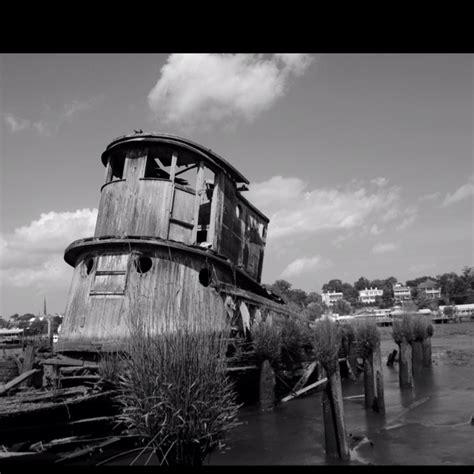 Boat Salvage Wilmington North Carolina tugboat shipwreck cape fear river apertures