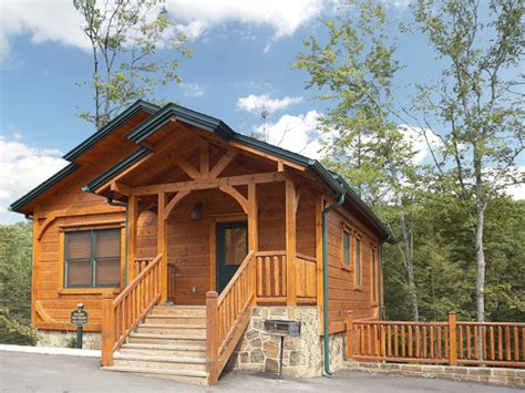 gatlinburg cabin peaceful easy feeling 1 bedroom sleeps 8