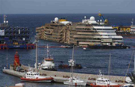 Schip Concordia by Concordia Cruise Ship Salvage Fitbudha
