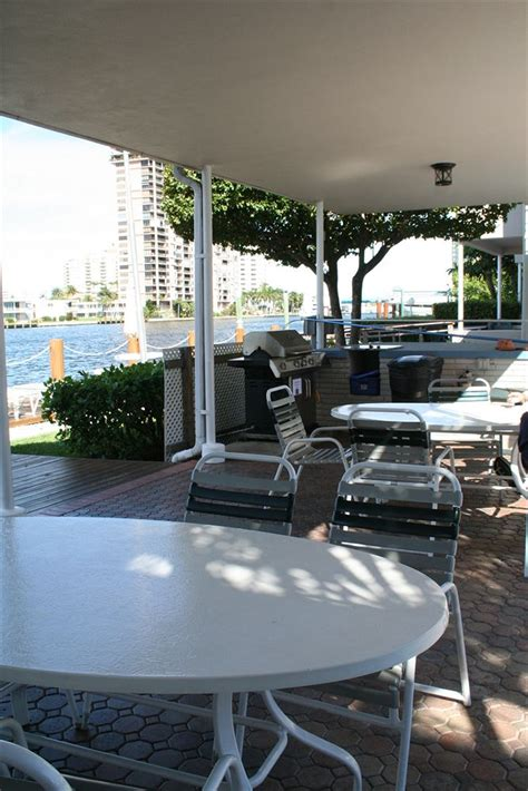 Holiday Isle Yacht Club Fort Lauderdale Fl by Holiday Isle Yacht Club In Fort Lauderdale Hotel Rates