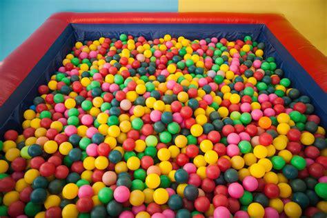 piscine 224 balles crit 232 res de choix et prix ooreka