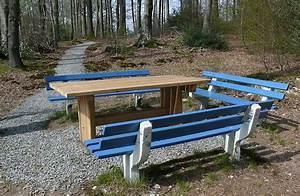 Holzbank Mit Tisch In Der Mitte : much das online magazin f r much b228 neue b nke an den wanderwegen rund um much ~ Whattoseeinmadrid.com Haus und Dekorationen