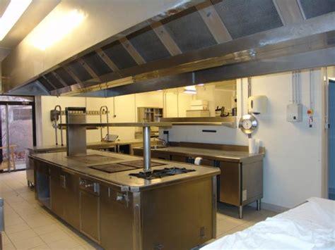 pianos de cuisine piano de cuisson intgr dans lu0027ilot meuble d angle de cuisine piano de