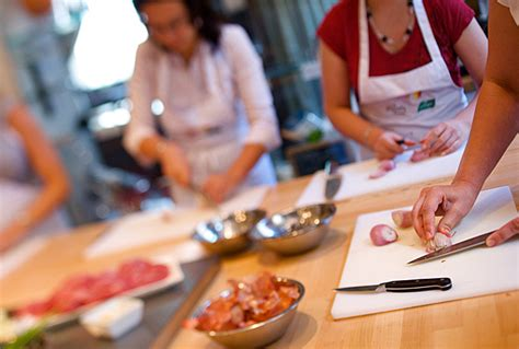 les cours de cuisine apprendre dans la joie et la convivialit 233 auvieuxgourmet fr