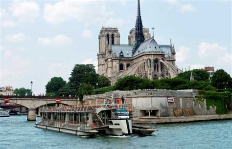 Your Event On A Luxury Private Yacht In Paris