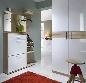 Flur Garderobe Ideen : flur gestalten ideen und tipps f r eine einladende diele ~ Markanthonyermac.com Haus und Dekorationen