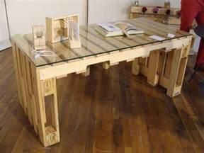 fabriquer un banc en bois avec des palettes mzaol