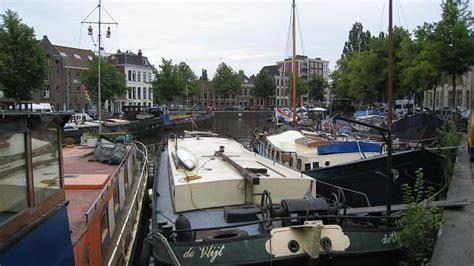 Woonboot Paterswoldsemeer by Houseboats In The Noorderhaven Groningen