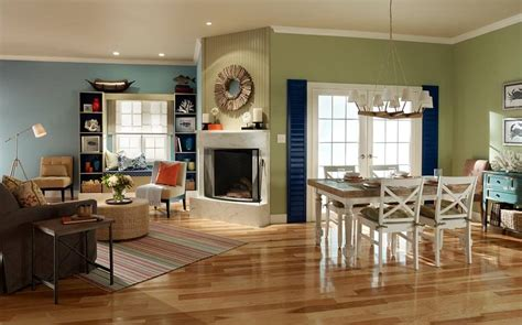 Bold Wall Painted Living Room Colors Small Kitchen Makeover Ideas White Kitchens Designs Cabinets Farm House Online Backsplash Cabinet Island Design Traditional