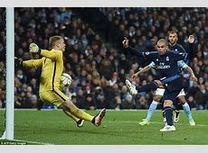 Manchester City 00 Real Madrid Joe Hart denies Pepe with