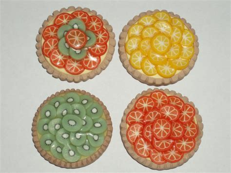 tartes aux fruits photo de objets de d 233 coration bijoux et perles en p 226 te polym 232 re