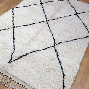 Berber Teppich Marokko : 14984 beni ourain 230 x 170 cm berber teppich marokko weiss schwarz ~ Markanthonyermac.com Haus und Dekorationen