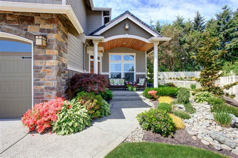 Curb Appeal : Curb Appeal Landscaping