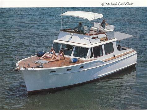 Cabin Cruiser Fishing Boat For Sale by Cabin Cruiser Ladyben Classic Wooden Boats For Sale