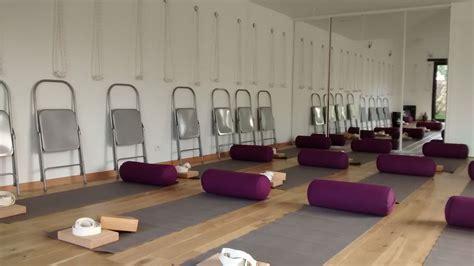 cr 233 er sa salle de devenir professeur de yogimag