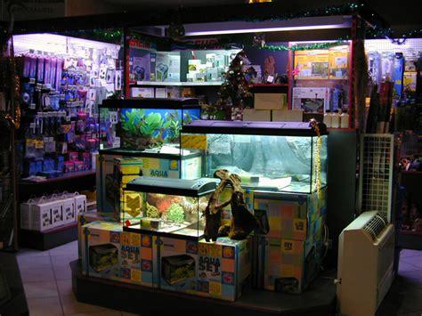 aux poissons exotiques plus de 30 ans d 233 j 224 au service de l aquariophilie