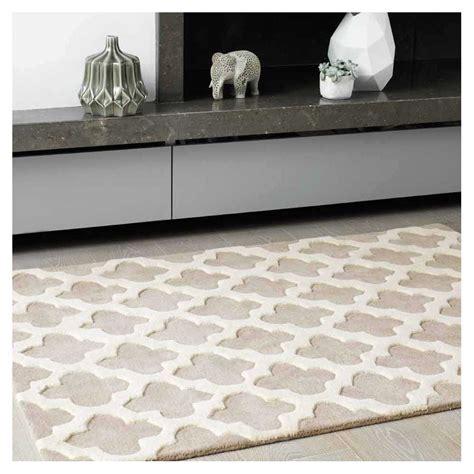 tapis haut de gamme beige et blanc cass 233 artisan sand par joseph lebon