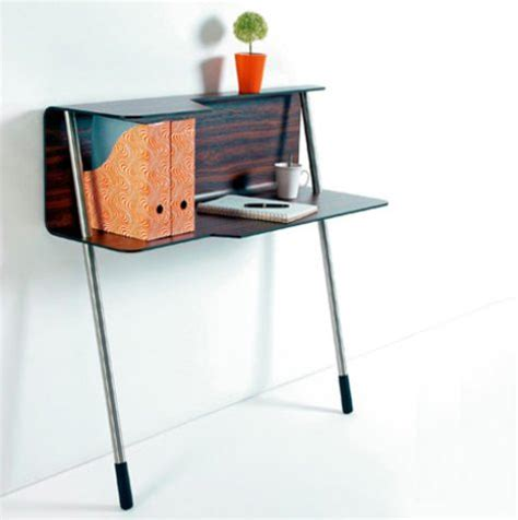 Tiny Desk by Small Space Solutions Design Sponge