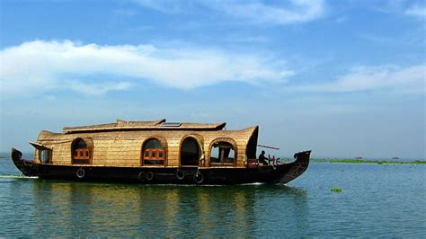 Houseboat In Hindi by Connecting Innovative India Houseboat On The Kumarakom