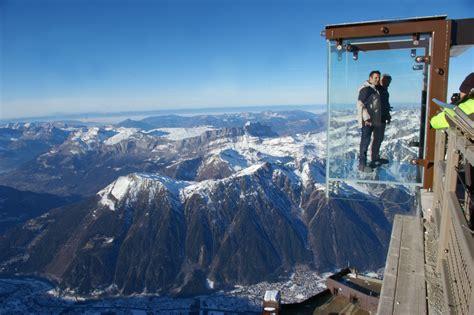 une cage transparente suspendue 224 1000 m 232 tres dans le vide