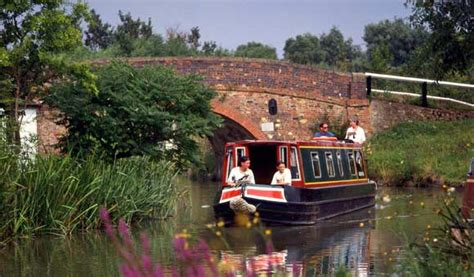 Holiday On A Boat Uk by Canal Boat Holidays Uk Boat Hire Holiday Boats