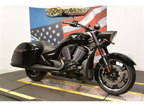 2014 Victory Cross Roads 8-ball For Sale On 2040-motos