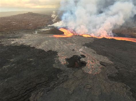 Lava Boat Tour Hawaii by Hawaii Volcano Update Lava Boat Tours To Continue After
