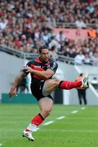 Luke McAlister - I would kill for those thighs.   Rugby ...