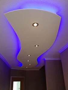 Led Spots Decke Badezimmer : die 25 besten ideen zu indirekte beleuchtung decke auf pinterest indirekte deckenbeleuchtung ~ Markanthonyermac.com Haus und Dekorationen