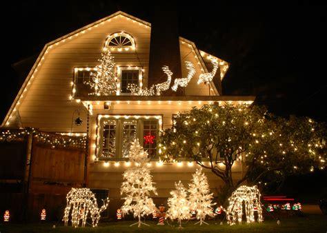 Neighborhoods With The Best Holiday Lights In Orange