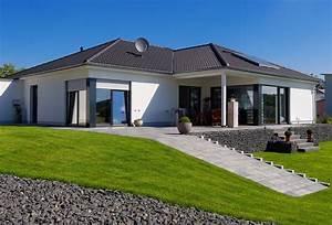 Haus Bungalow Modern : winkelbungalow fertighaus ihr traumhaus ideen ~ Markanthonyermac.com Haus und Dekorationen