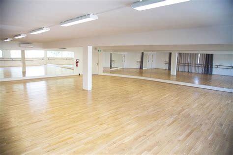 ecole de danse escape location de salle de danse 224 six fours