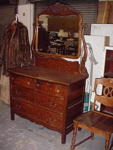 antique tiger oak dresser w mirror furniture