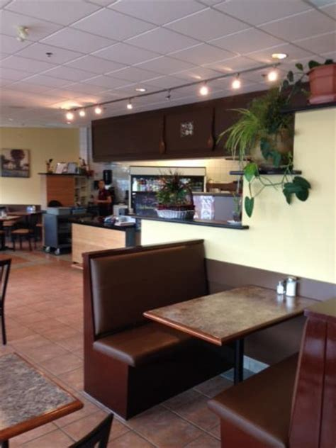 Country Kitchen Restaurant  131 Saunders Rd, Barrie, On