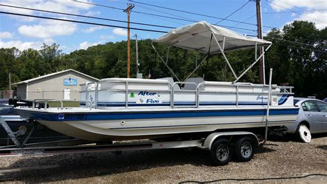 Hurricane Fun Deck Boats Used by Hurricane Fun Deck 22 23 Ft 1994 For Sale For 5 250