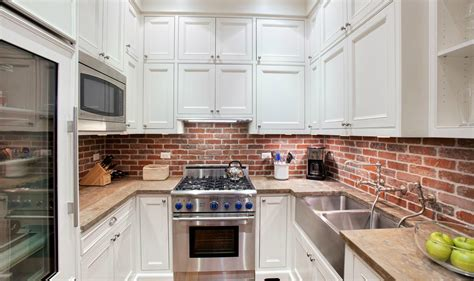 How-to-clean-brick-kitchen-backsplash-livinator