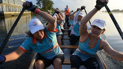 Dragon Boat Racing Coffs Harbour by Two Day Dragon Boat Regatta At Taree Manning River Times