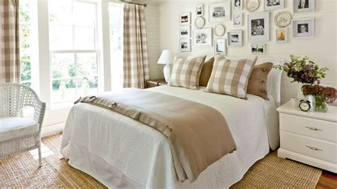 Gracious Guest Bedroom Decorating Ideas-southern Living