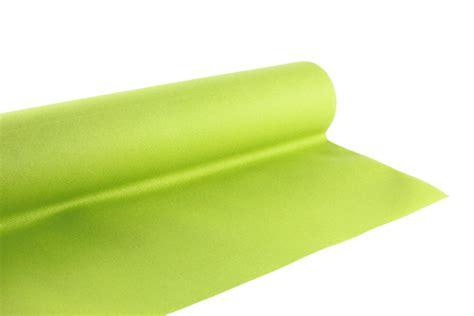 nappe en papier vert table de cuisine