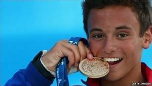 CBBC Newsround | Sport | Amazing Tom Daley wins gold
