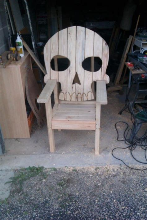 skeleton chair jardin
