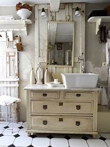 Shabby Chic Hamburg : princessgreeneye white cream and neutrals pinterest shabby vintage bathrooms and bath ~ Markanthonyermac.com Haus und Dekorationen